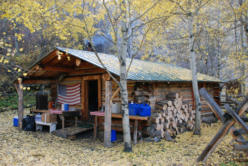 Grand Slam Outfitters Hunting Cabin